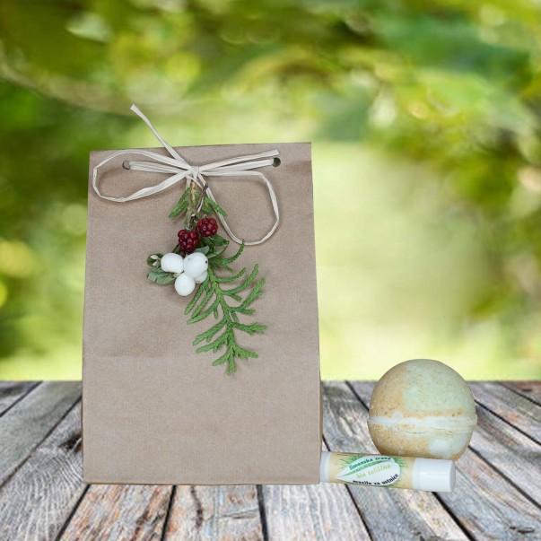 Darilni paket - kroglica za kopel in mazilo za ustnice