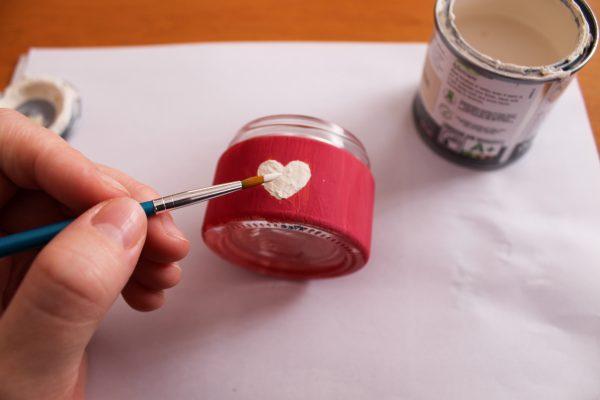 Barvanje manjših lončkov